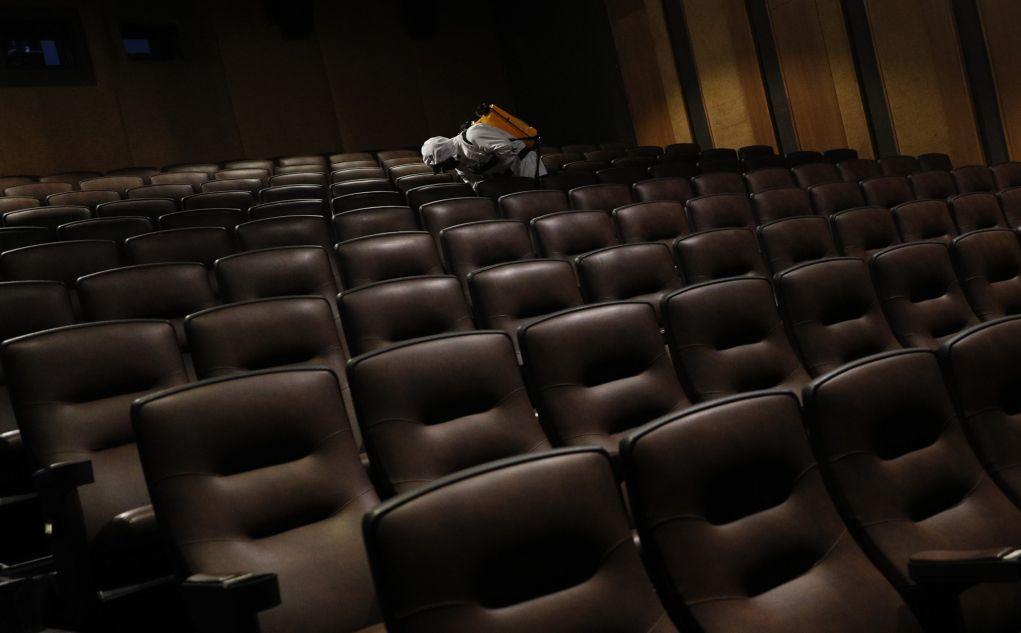 Χόλιγουντ: Πρεμιέρες ταινιών που αναβλήθηκαν λόγω κορονοϊού (video)
