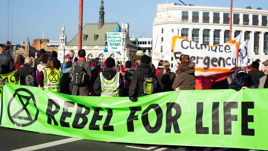 Extinction Rebellion: «Μόδα δράσε τώρα» για να παύσει η υπερκατανάλωση