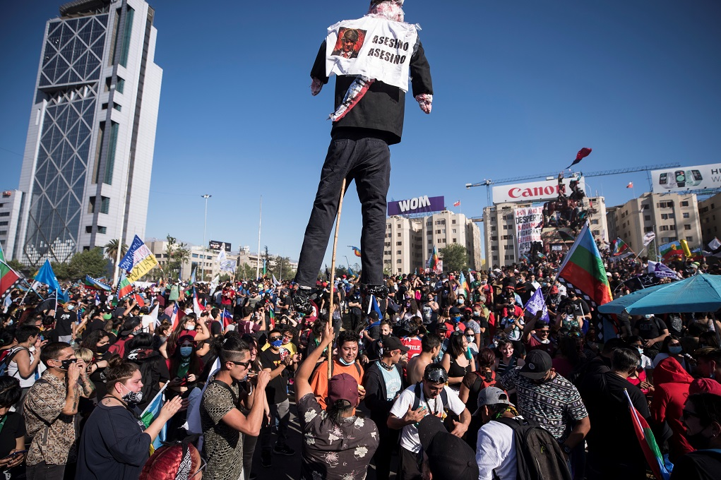 Χιλή: Διαδηλώσεις και 580 συλλήψεις στην πρώτη επέτειο της κοινωνικής εξέγερσης