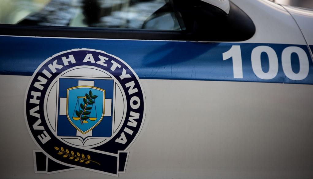 Συνελήφθη γνωστός τραγουδιστής στο Ελληνικό με όπλο και ναρκωτικά