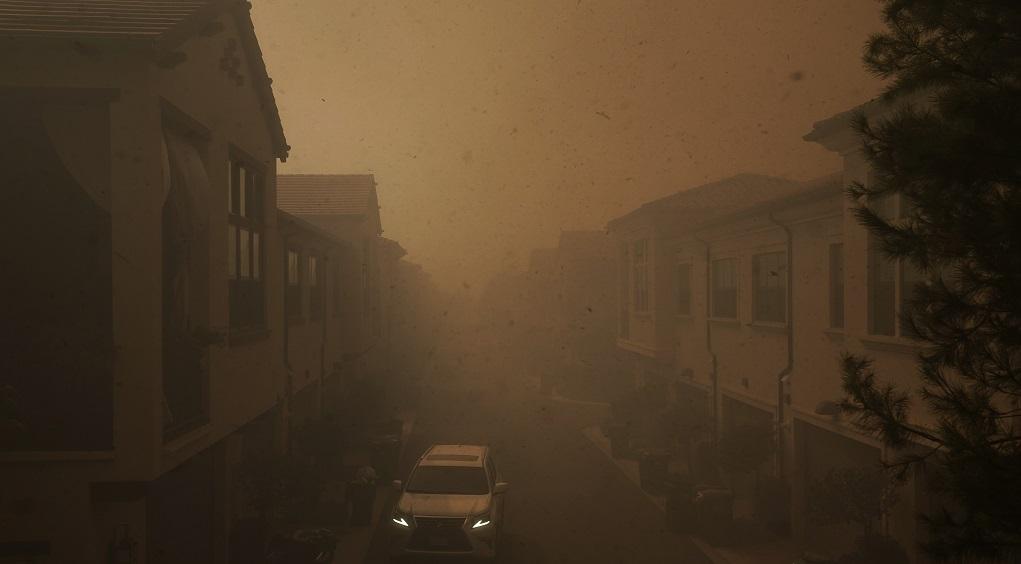 Μεγάλη πυρκαγιά σε θαμνώδη έκταση στην Καλιφόρνια – Απομακρύνθηκαν 60.000 κάτοικοι
