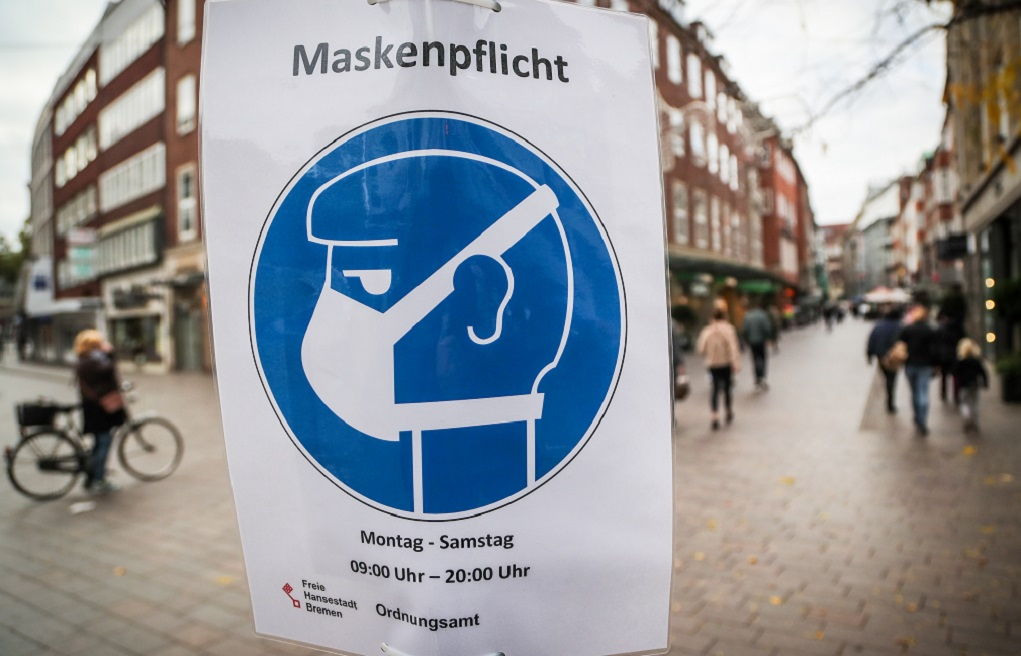 Α. Μέρκελ: Περιορίστε κοινωνικές επαφές και ταξίδια – Τηρείστε τα μέτρα κατά του κορονοϊού
