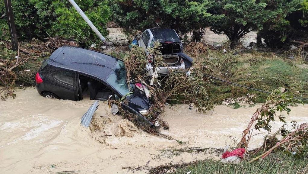 Ηράκλειο: Μεγάλες καταστροφές από τις πλημμύρες – κινδύνευσαν άνθρωποι