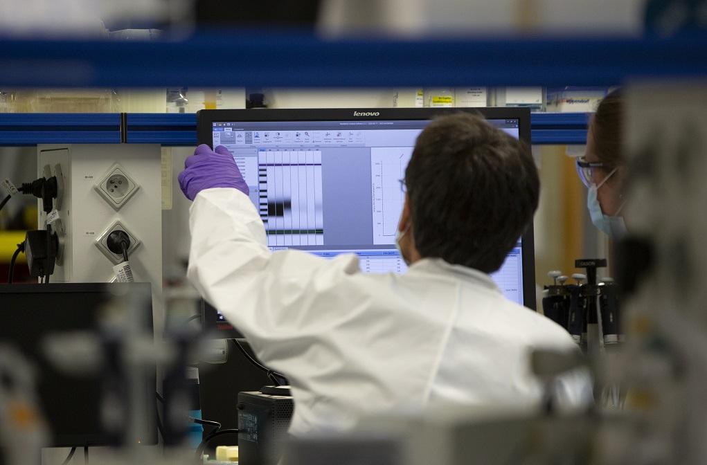 Τα εμβόλια θα πετύχουν εάν ηττηθούν παραπληροφόρηση και δυσπιστία