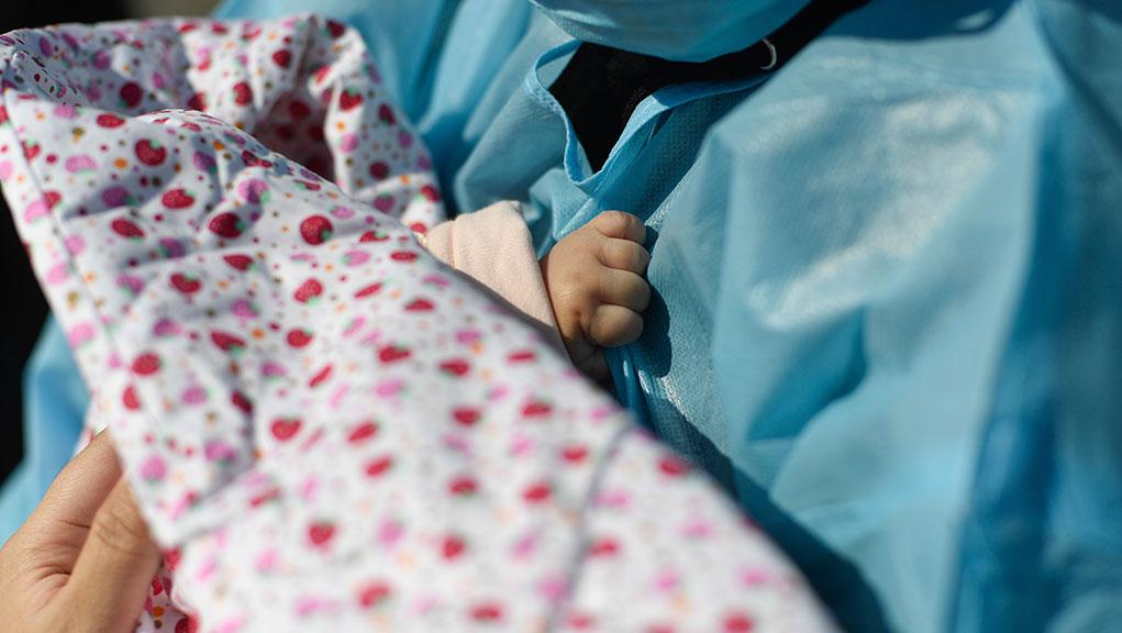 Σιγκαπούρη: Γεννήθηκε μωρό με αντισώματα στον κορονοϊό