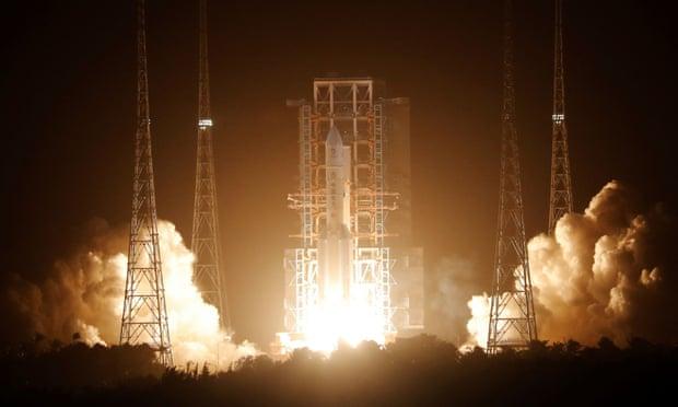 Κερδίζει η Κίνα την κούρσα του διαστήματος με την εκτόξευση του Chang'e 5;