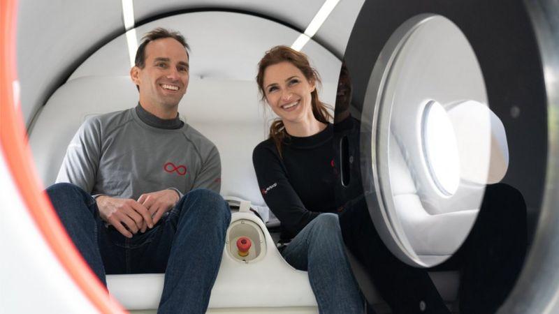 Το πρώτο δοκιμαστικό ταξίδι με επιβάτες πραγματοποίησε το VirginHyperloop