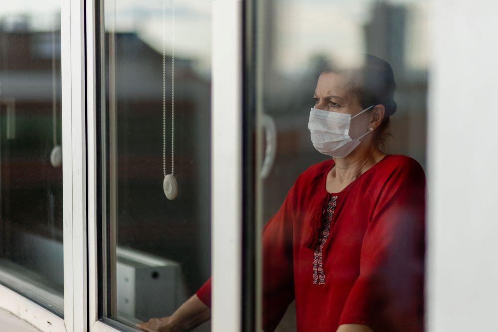 Υγεία: Η κοινωνική απομόνωση αυξάνει τον κίνδυνο υπέρτασης στις γυναίκες