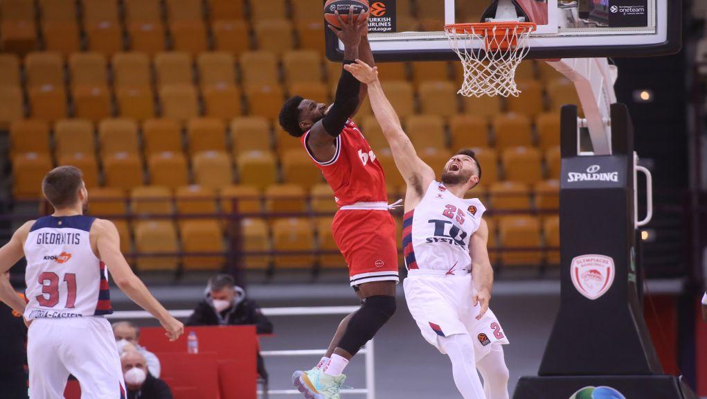 Η Μπασκόνια νίκησε στο ΣΕΦ τον… μισό Ολυμπιακό 76-90