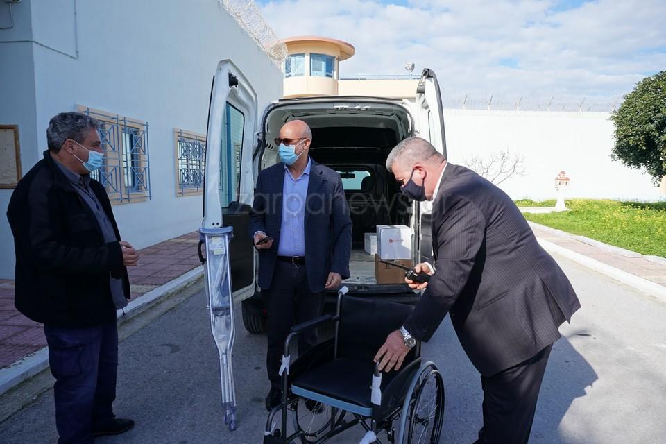 Χανιά: Αναπηρικό αμαξίδιο χάρισε στις φυλακές Αγυιάς ο Συνεταιρισμός Φαρμακοποιών