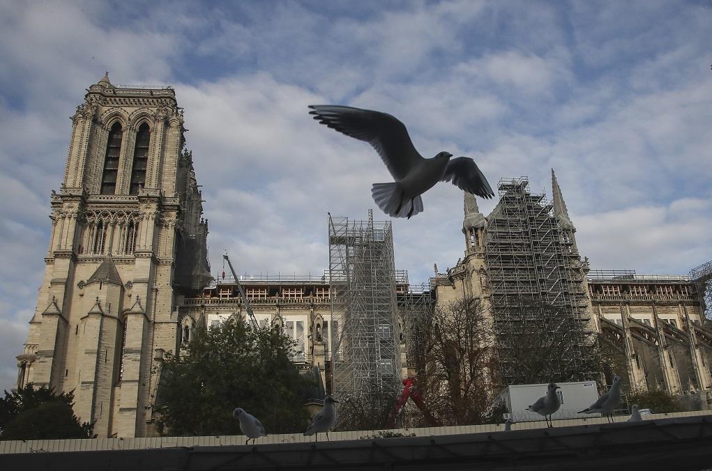 Παναγία των Παρισίων: Άνοιξε τις πύλες της για μια μοναδική συναυλία
