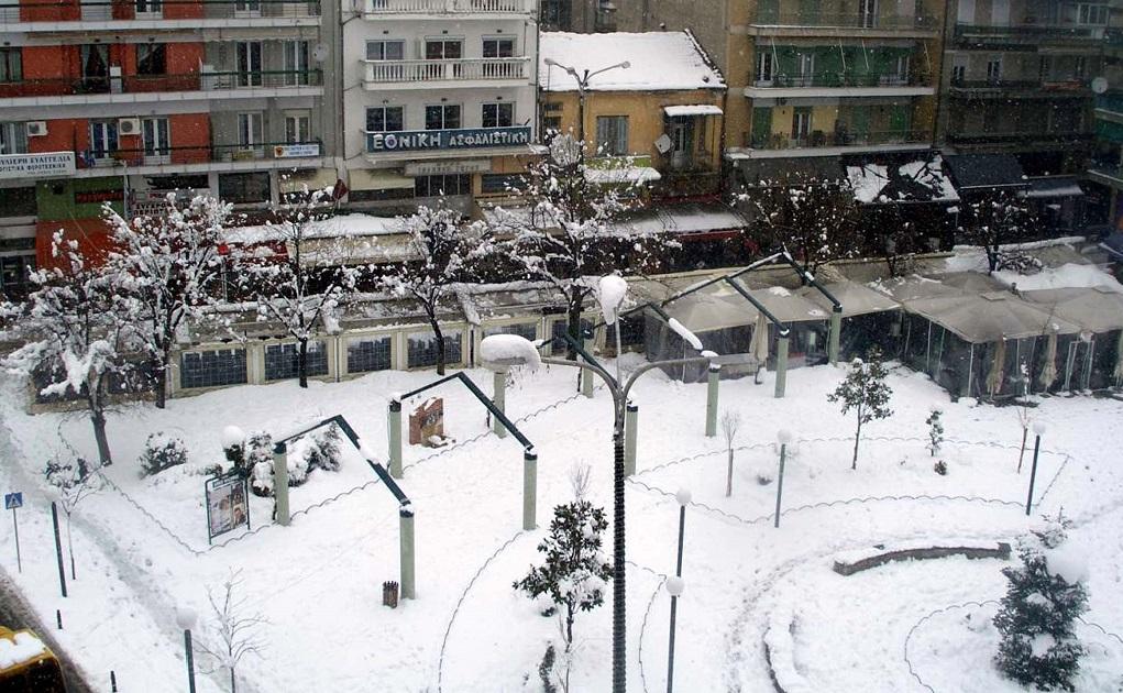 Χιόνια, βροχές και παγωνιά έφερε ο «Λέανδρος» – Σύσκεψη της Πολιτικής Προστασίας (video)