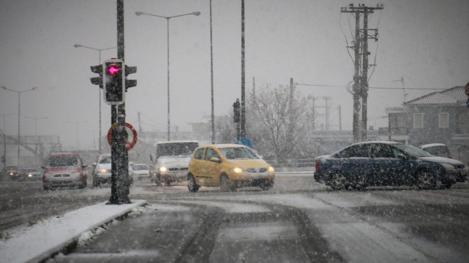 Έκτακτα μέτρα από τον Δήμο Αθηναίων για το κρύο – Aνοίγουν χώροι