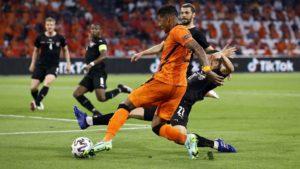 Τρίτη ομάδα στους «16» η Ολλανδία, 2-0 την Αυστρία