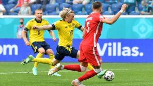 Πρώτη και καλύτερη στους «16» η Σουηδία, 3-2 την Πολωνία σε ματς-θρίλερ